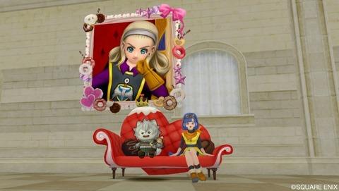壁クイーンと椅子